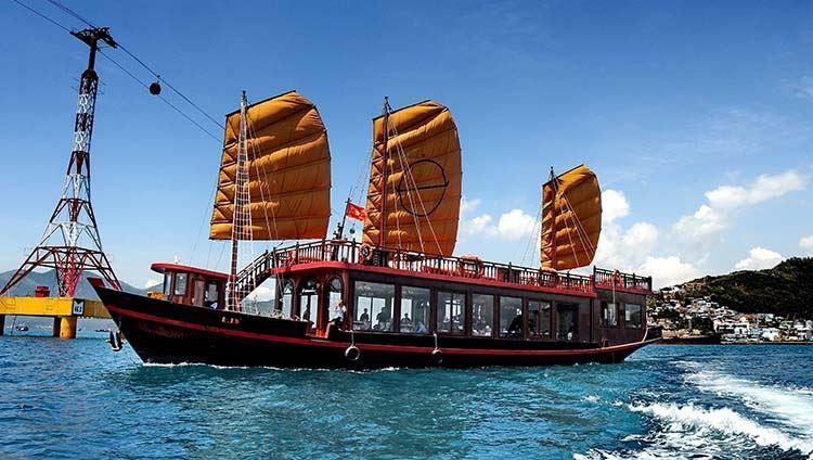 Croisière à Nha Trang a bord de L'EMPEROR CRUISE